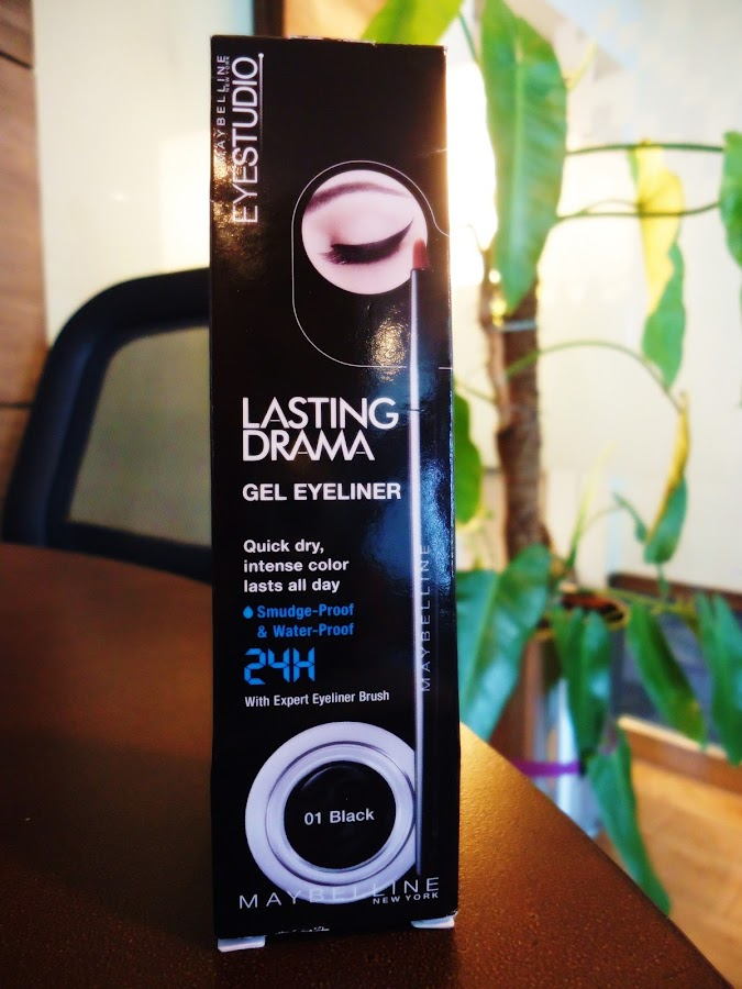 Maybelline Eye Studio Lasting Drama Gel Eyeliner in black