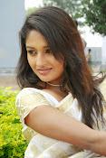 Eesha Ranganath Photos-thumbnail-20