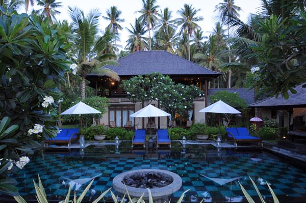 Pool-Jasri-Beach-Villas-in-Bali