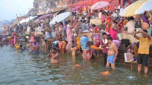 कार्तिक पूर्णिमा पर दान गंगा स्नान