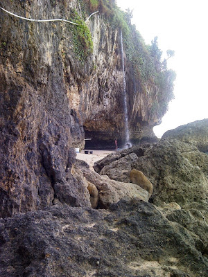 Air terjun dipantai Seruni, Gunung Kidul