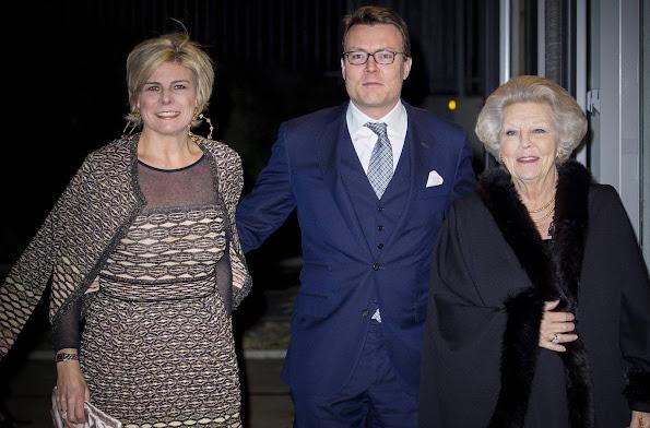 http://3.bp.blogspot.com/-3CQCQ-IIW0c/VqqrApJfySI/AAAAAAAA8CM/_7_9pcPDdQg/s595/Dutch-Royal-Family-1.jpg
