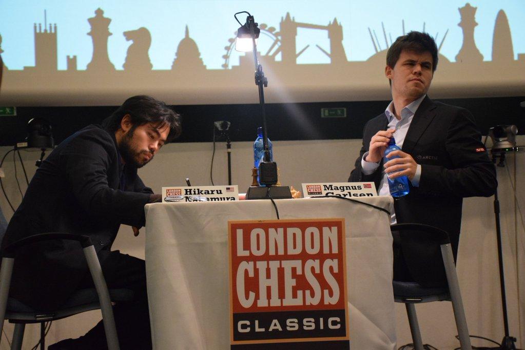 une bataille épique entre Carlsen et Nakamura avec une finale de rêve et un coup de génie du Norvégien (un sublime sacrifice de pièce) qui surprit son adversaire américain, KO assis. Une partie qui entrera dans l'Histoire des échecs - Photo © Tarjei J. Svensen