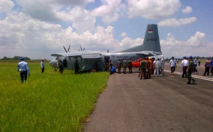 Pesawat TNI AL Tergelicir di Bandara Hasanuddin Makassar