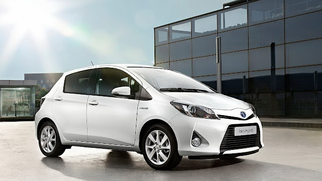 Review Toyota Yaris 2016