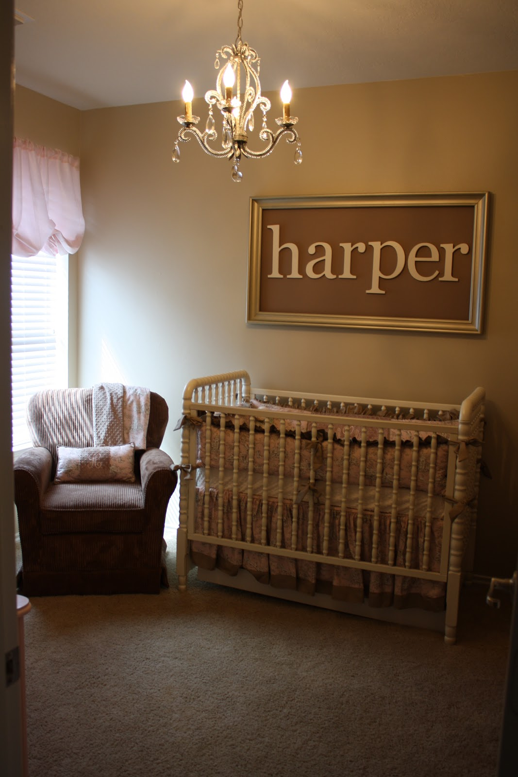 The boyd family harper 39 s nursery for Above the crib decoration ideas