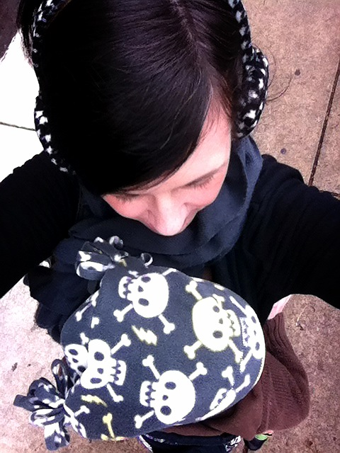 babywearing self portrait, how to take a photo of babywearing, babywearing a toddler, babyhawks for toddlers
