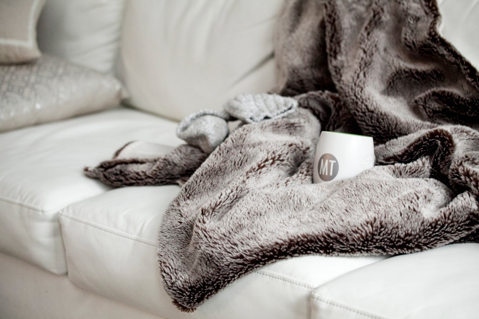 cozy-winter-blanket-personalized-coffee-cup