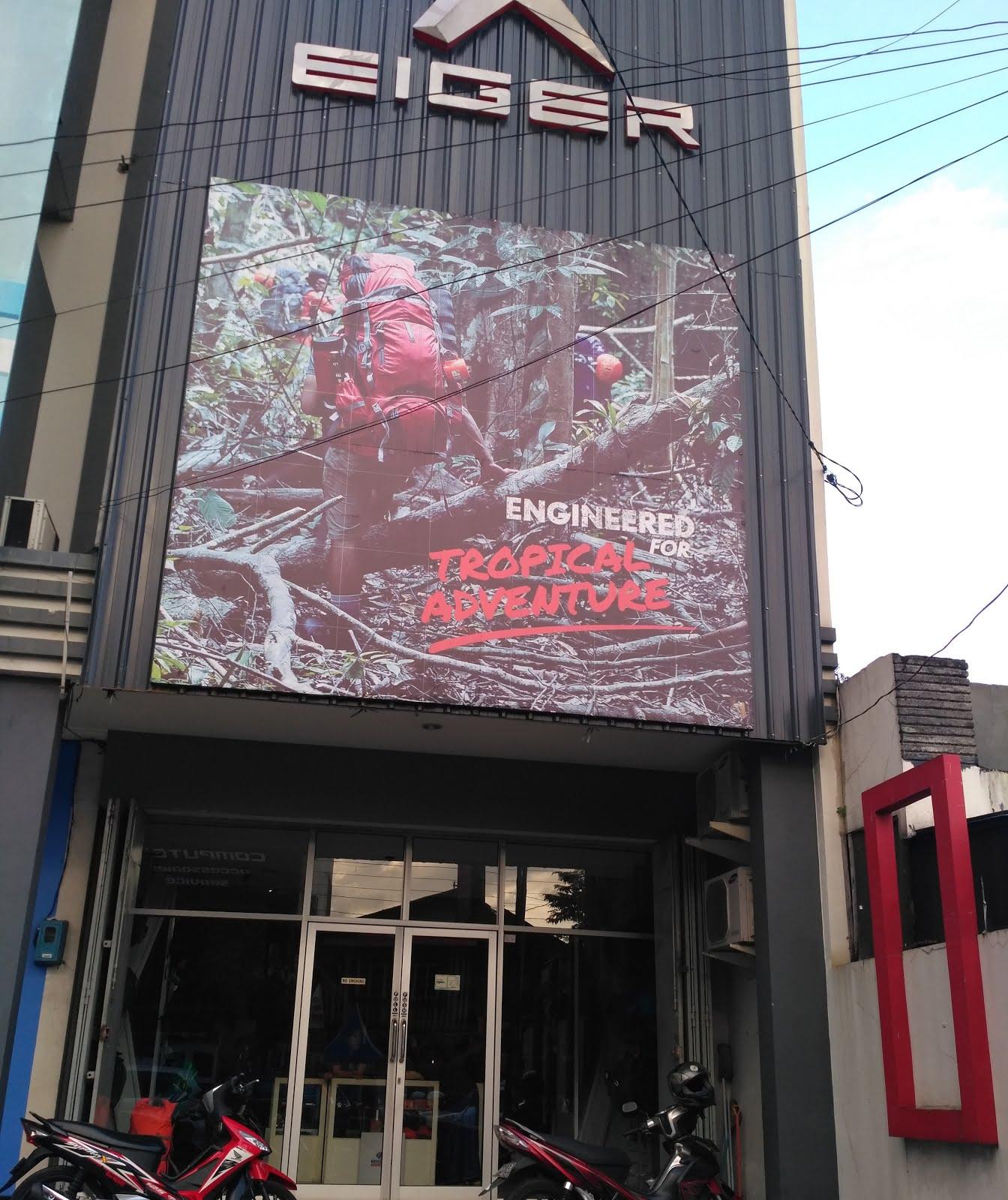 Purwokerto sudah memiliki store resmi EIGER yang letaknya berada di JL HR Boenyamin No 58C Purwokerto Utara dan yang terbaru