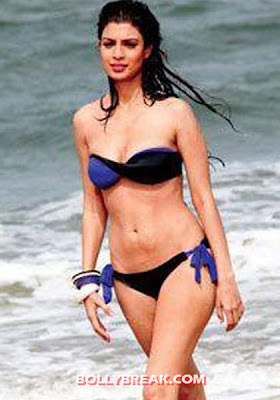 Tena Desae hot bikini body - (2) - Tena Desae Bikini Wallpapers