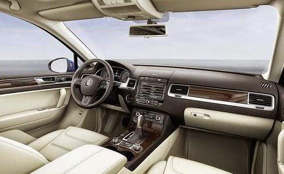 2016 VW Touareg interior