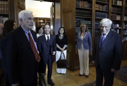 Στην Ελλάδα κάποιοι απαξιώνουν την γλώσσα μας στην Κίνα και παντού στον κόσμο δημιουργούν έδρα Ελληνικής Γλώσσας και Ελληνικής Φιλοσοφίας