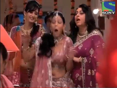 Yamini Bhaskar in Sexy Half Saree at Kakatiyudu Movie