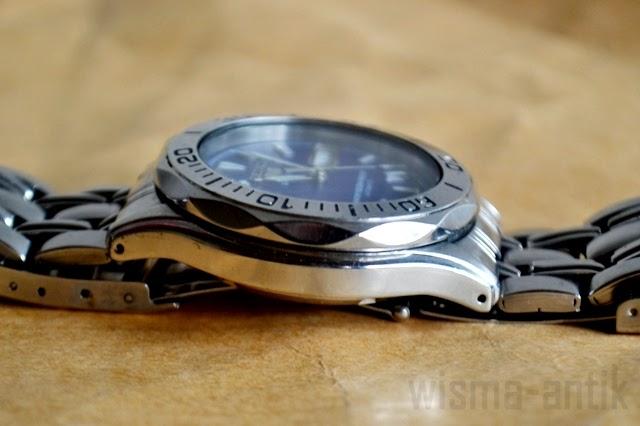 Часы с проекцией на руку купить