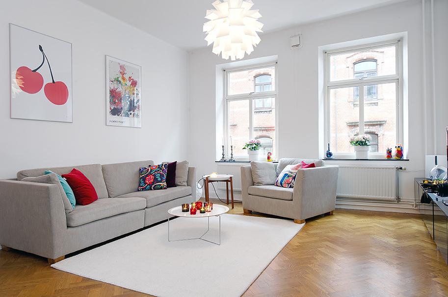 Inspiraci n quiero un sofa gris boho deco chic for Decoracion salon con sofa gris