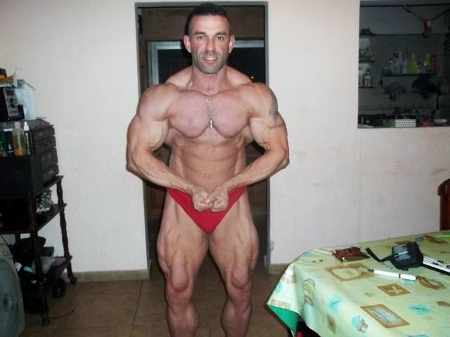Gonzalo Lopez se prepara para o NABBA Universe 2013 - Foto: Reprodução
