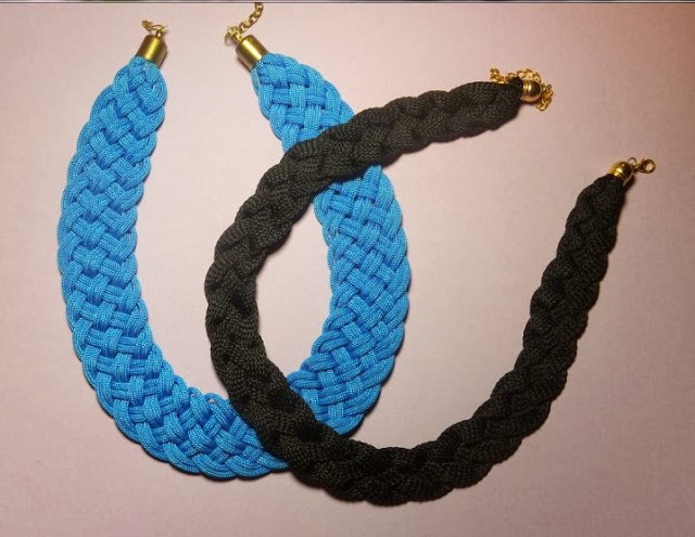 Estupendos collares hechos con cordones de zapatillas, ideales para regalar esta Navidad!