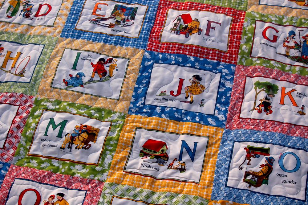 Quilt Patterns With Letters : Stitchnquilt: ABC Quilt