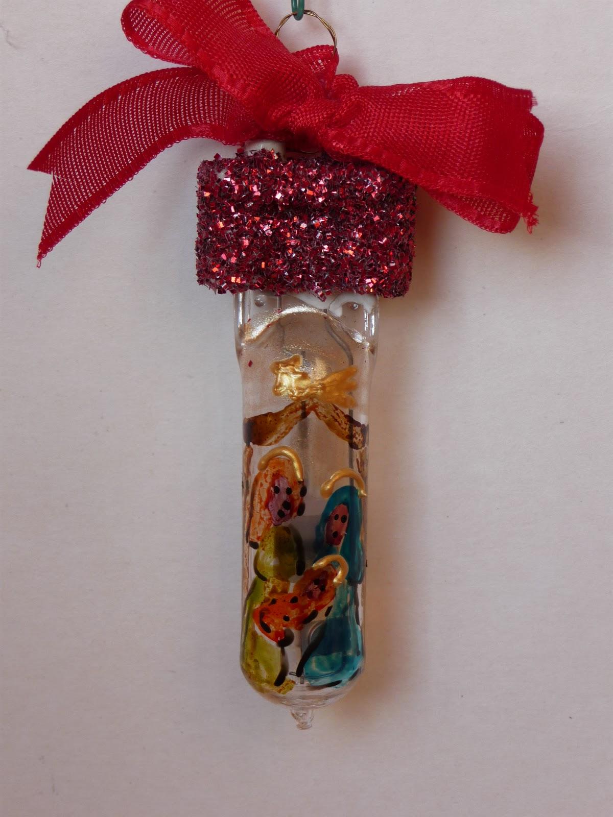 Riciclare Lampadine Per Natale: Ho visto questa idea di decorazione natalizia in innumerevoli ...