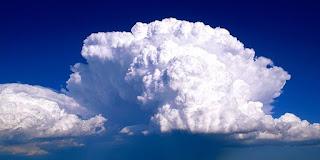 هل تعلم وزن هذه الغيمة الصغيرة؟
