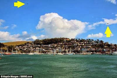 A Pair UFOs Photographed By Former Navy Man in Coastal Town of Kingswear (UK) - October 2013