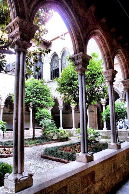 claustro iglesia de la concepción barcelona