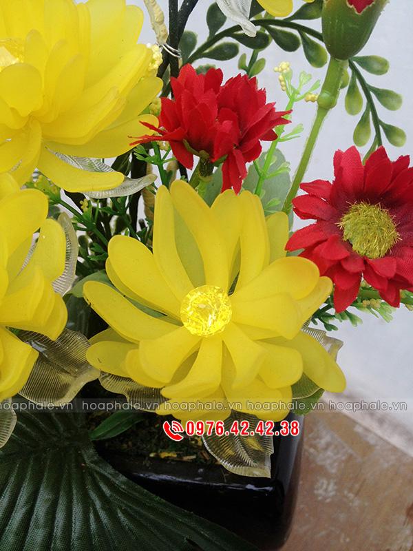 Mẫu hoa pha lê cúc vàng