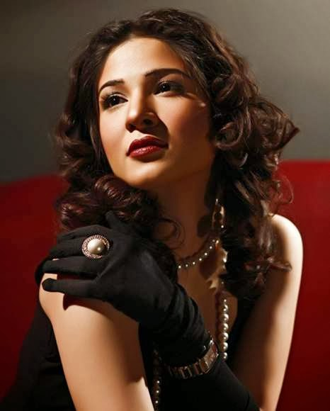 Ayesha Omar Wallpaper: Unique Wallpapers: Ayesha Omer Hot HD Wallpapers Free Download