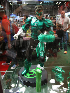green lantern,dc comics,dc comic,figurine,collectibles,sculpture,art,comic con 2013, october 11th 2013, saturday, sunday, comic con sunday, comic con saturday,new york,nyc,manhattan,jacob javits center,newyork,