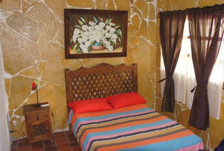 Recamaras en Casa principal con 2 camas Matrimoniales y Aire acondicionado