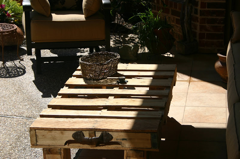 Pallet Outdoor Coffee Table