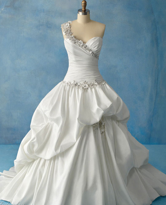 White Wedding Dresses For  : The wedding collections white dresses