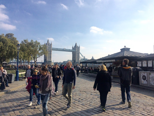 tower of london london bridge