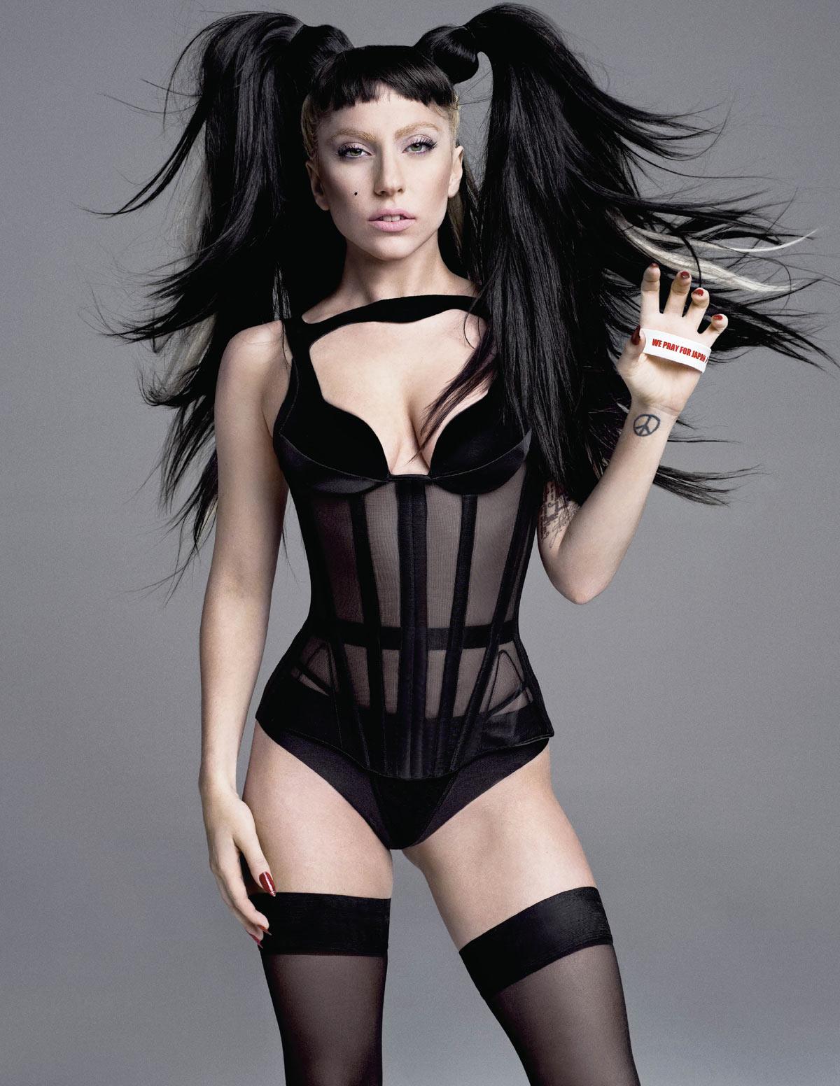 http://3.bp.blogspot.com/-3G9l8q6dNWI/Th8QmGldK-I/AAAAAAAABAA/8ekLVL57YsI/s1600/Lady-Gaga-V-Magazine-Summer-2011-Pic-5.jpg