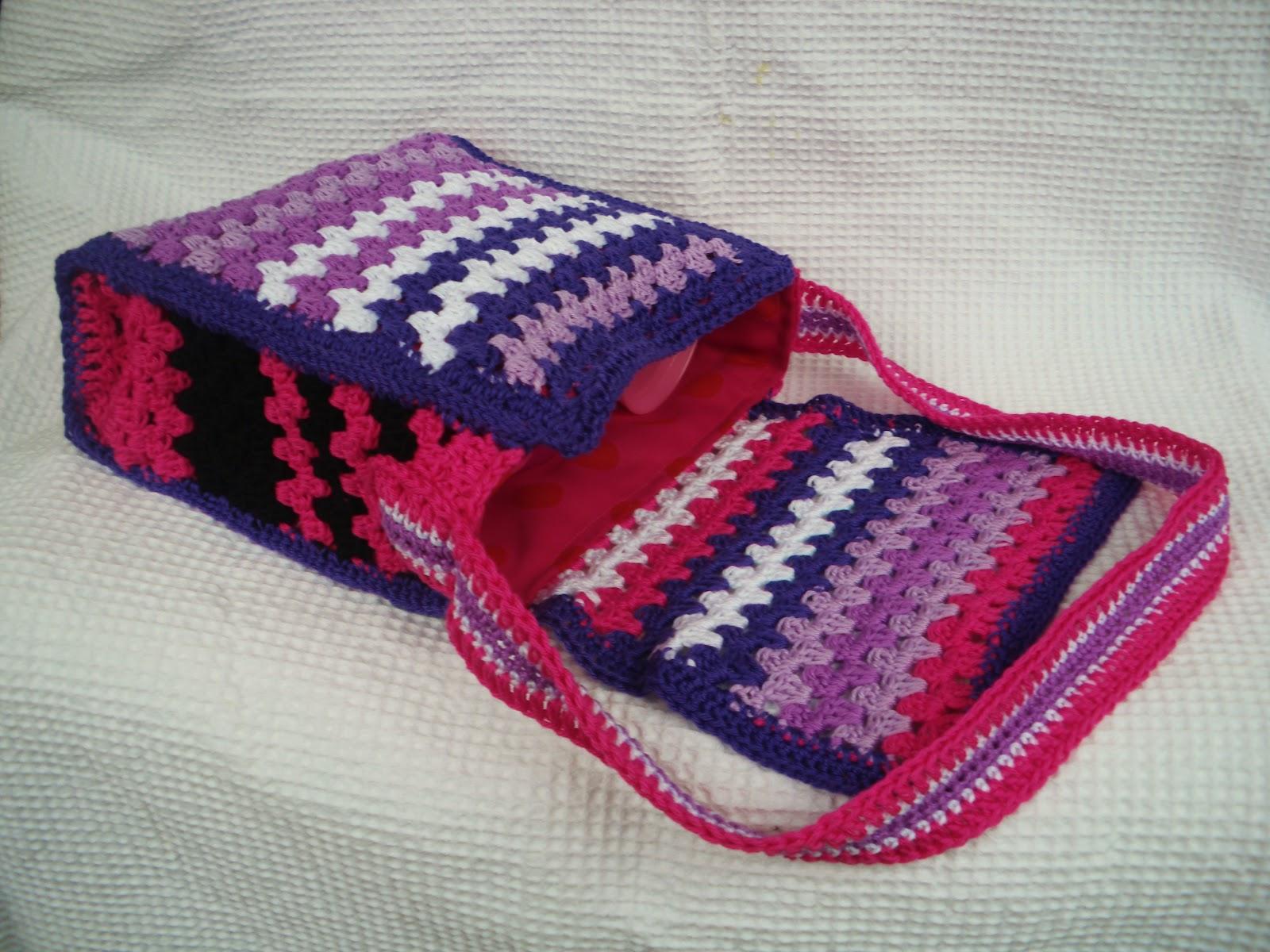 http://demerle.blogspot.nl/2012/03/gehaakt-tasje-nr3.html