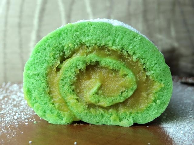 Pandan Kaya Swiss Roll Cake Recipe