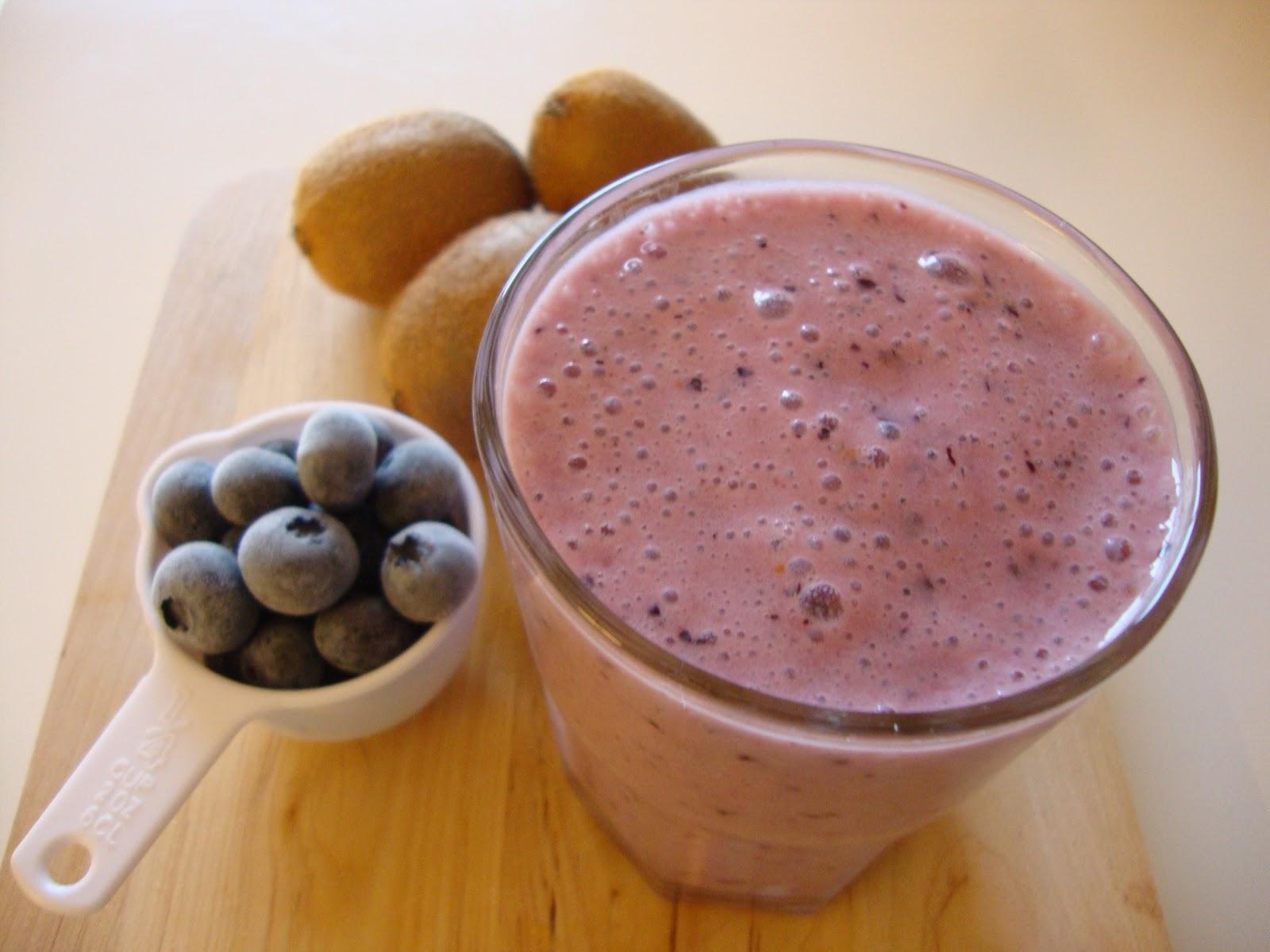As minhas receitas batido de iogurte com kiwi e mirtilo - Batidos de kiwi ...