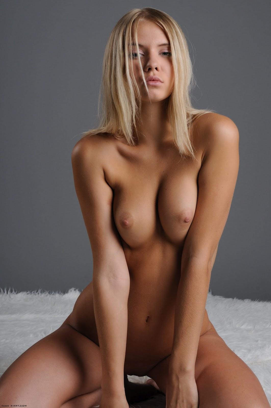 golie-krasavitsi-modeli-foto
