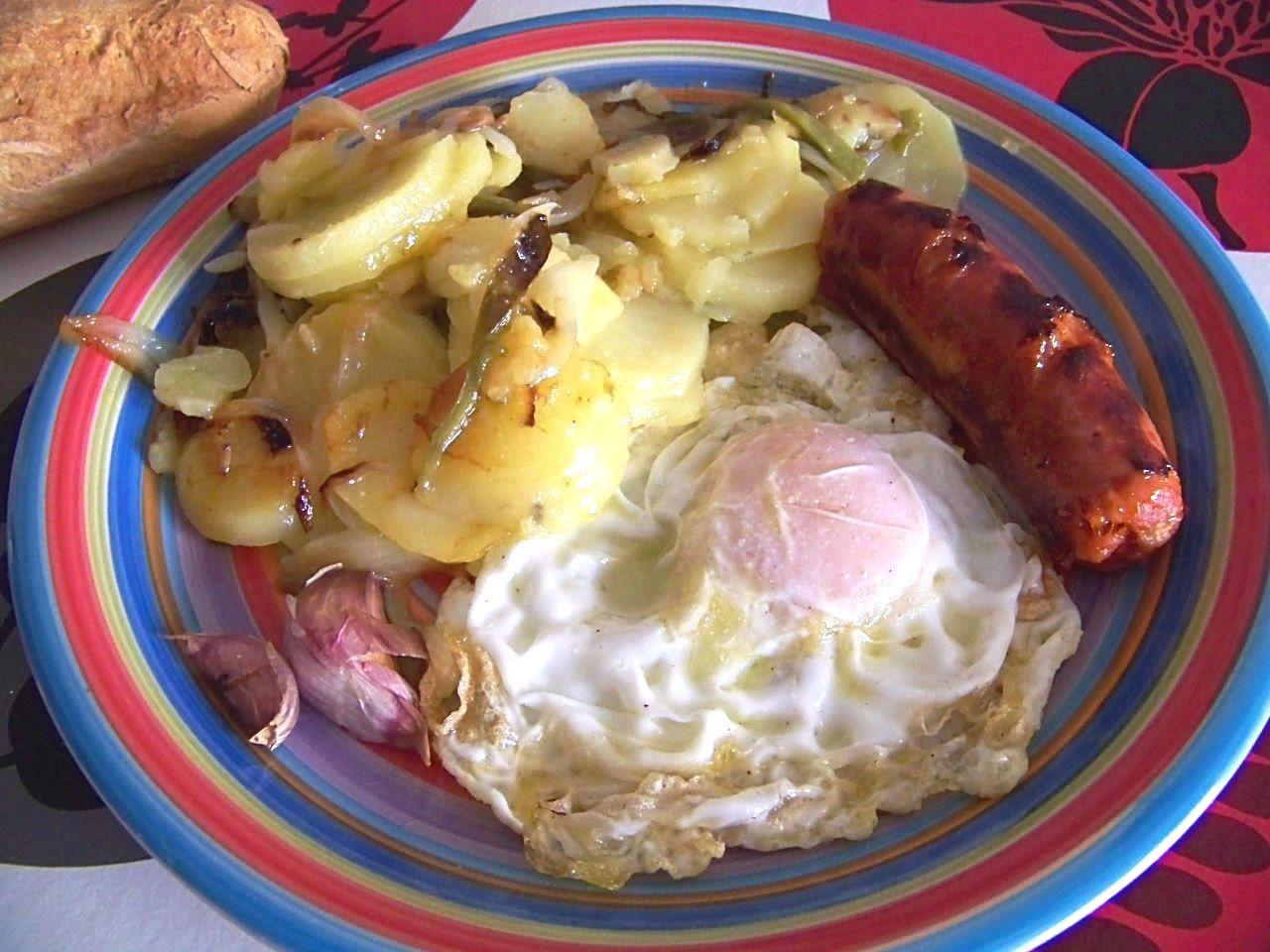 Mi cocinita de juguete patatas a lo pobre olla express for Cocinar patatas a lo pobre