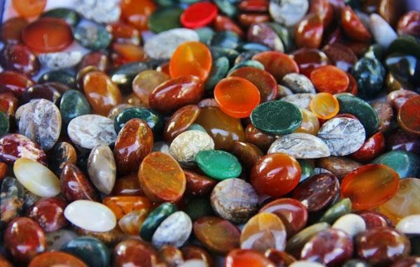 Manfaat & Khasiat Batu Akik Berdasarkan 4 Warna serta Cakra