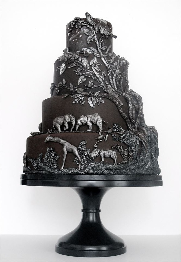 Wedding Cakes Pictures: Black and Silver Wedding Cake