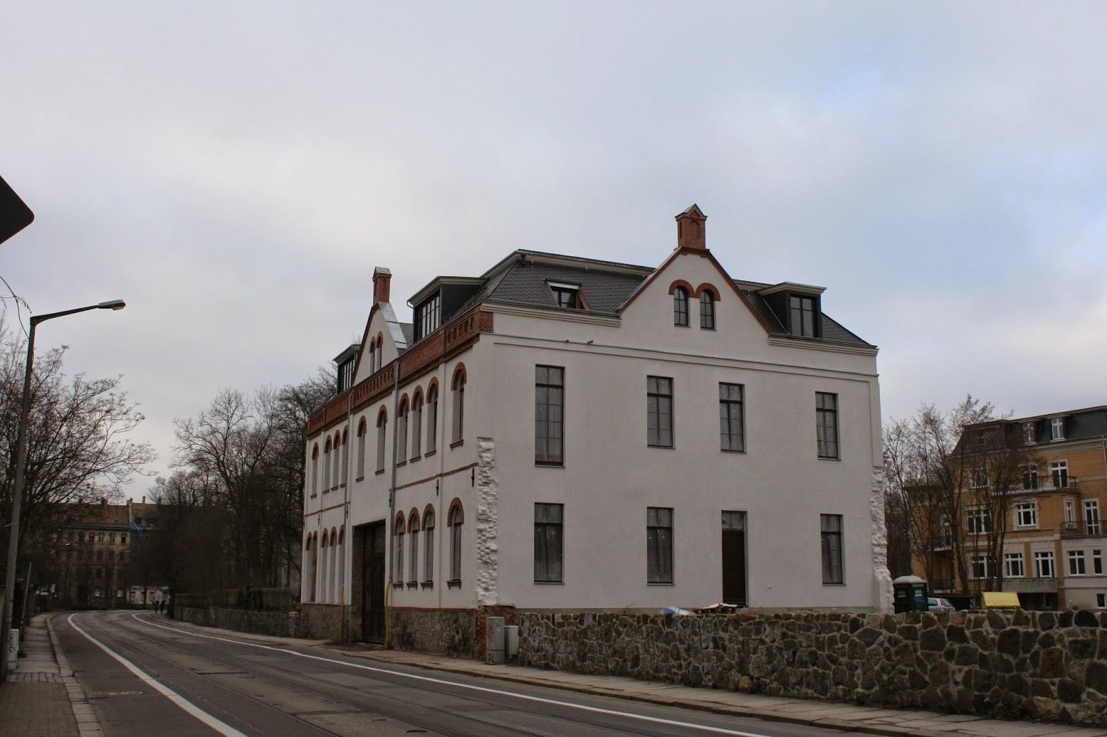 Hier das Torhaus auf dem ehemaligen Karl Krause Grundstück am 11.02.2015 - das Gebäude ist nach der Sanierung fast fertig zum Bezug
