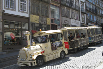 tourist train in Porto