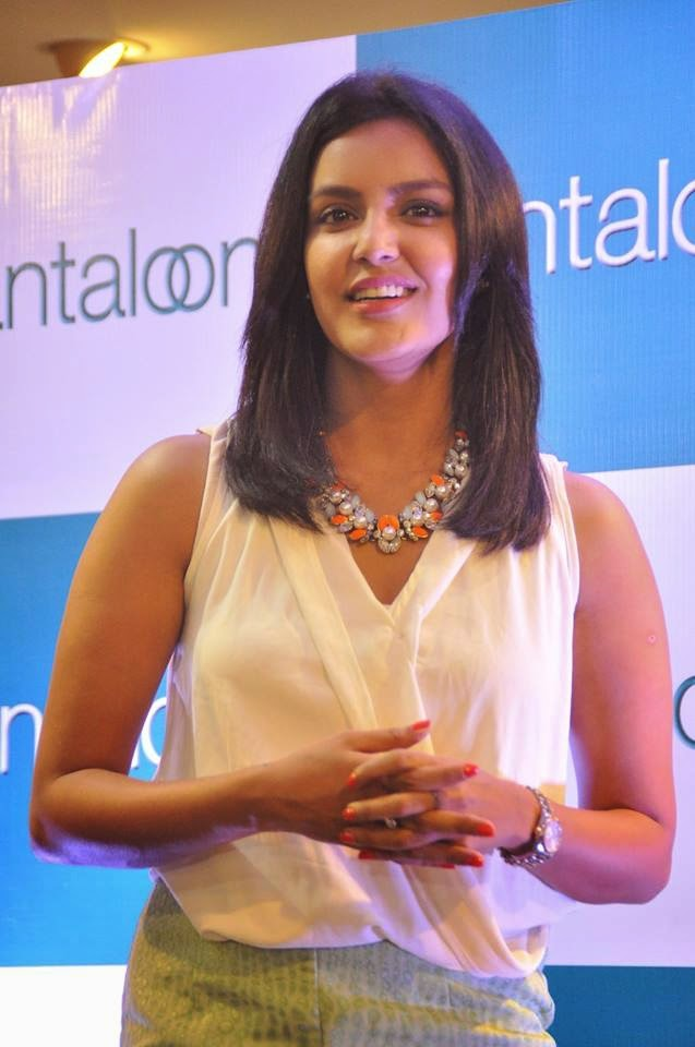 Priya Anand at Pantaloons Store Launch gallery