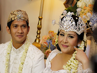 pernikahan-audy-item-dan-iko-uwais_1