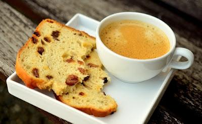 Minum kopi semasa minum petang memang sedap, tetapi harus dikurangkan