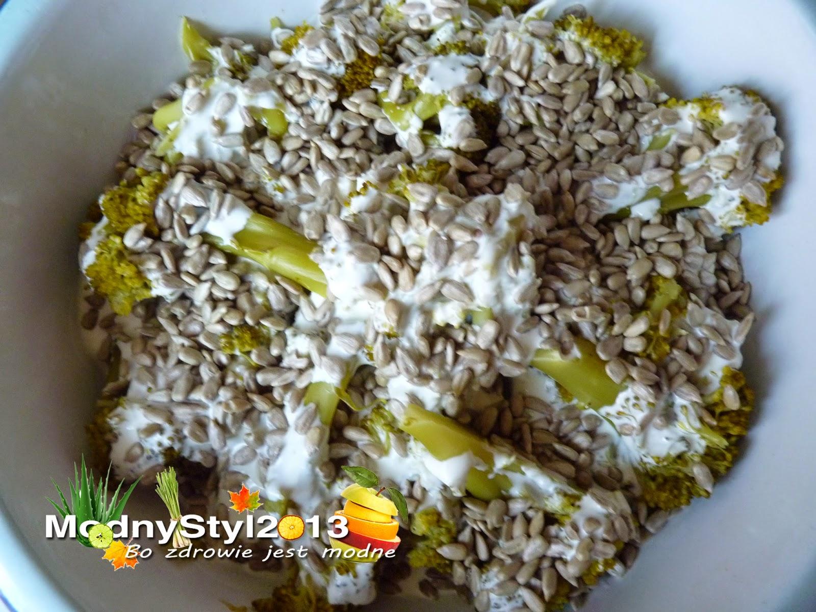 Brokuł w sosie czosnkowym