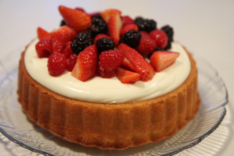 Mary Ann Cake With Mascarpone And Berries