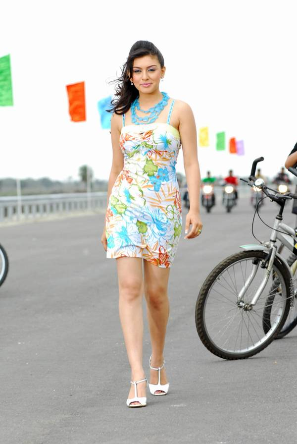 Hansika Motwani Latest Pictures-10