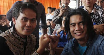 "Setia Band"" Charly Menjadi Calon Wakil Bupati Garut"